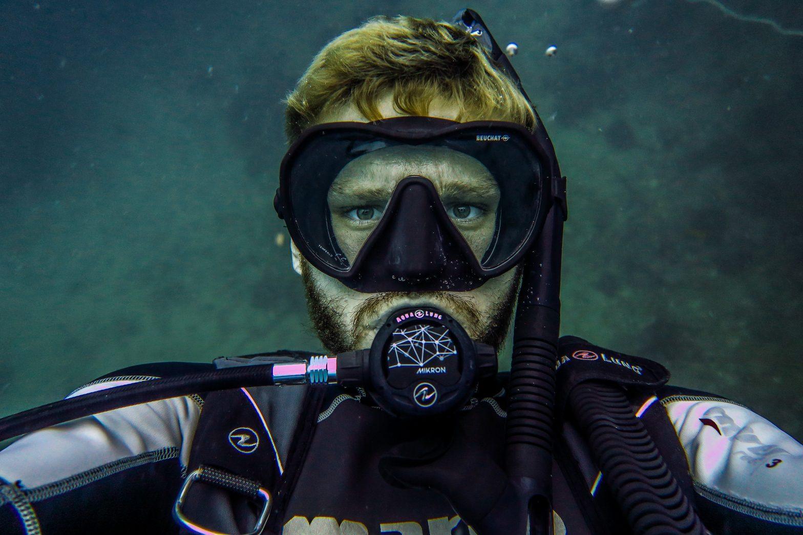 First Class Diver